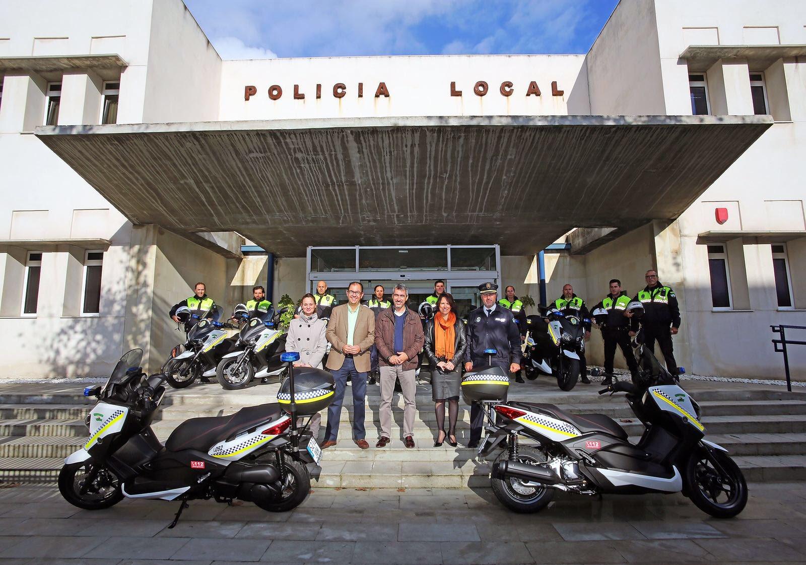 El ayto de Benalmadena presenta las nuevas motos de la Policia Local
